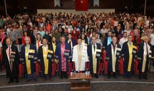 ERÜ Fen Fakültesi Yeni Mezunlarını Verdi