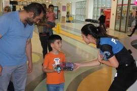 Kayseri Emniyet Müdürlüğünden Şehir Hastanesinde Tedavi Gören Çocuklara Ziyaret