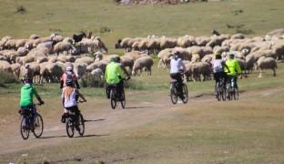 Bisikletçiler Festa 2200'de Erciyes'i yaşayıp Kayseri'yi keşfettiler